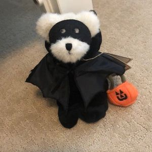 Halloween Boyd's Bear